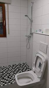 badezimmer behindertengerecht umbauen bad und wc umbau für menschen mit behinderung wohnberatung