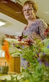 la cuisine des plantes sauvages edition de remiremont les vosges un garde manger grandeur