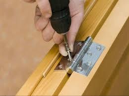comment poser une porte de chambre comment poser les charnières d une porte de meuble leroy merlin