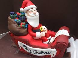Christmas Cake Decorations Santa Sleigh by Christmas Cake Byrdie Custom Cakes