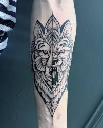 have you seen these mind blowing blackwork tattoos tattoomagz