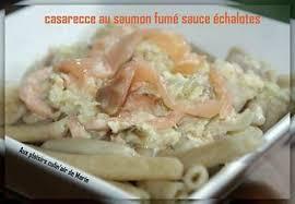 cuisiner saumon fumé recette de casarecce au saumon fume sauce échalotes
