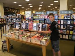 Barnes And Noble Ventura Blvd Confidential The Double Life Of Secret Agent Turned Hollywood