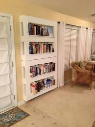 Building Wood Bookcase by Best 25 Pallet Bookshelves Ideas On Pinterest Pallets Pallet