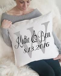 Engravable Wedding Gifts Best 25 Wedding Gifts For Bride And Groom Ideas On Pinterest