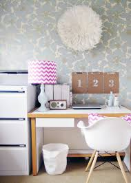 Wallpaper For Home Interiors by 131 Best Wallpaper Images On Pinterest Wallpaper Accent Walls