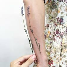 tattoo artist uses living plants to create stunning and elegant