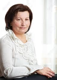 femme de bureau 50 ans très beau portrait de femme d affaires au bureau banque d