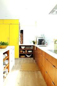meuble cuisine jaune meuble cuisine jaune cuisine jaune moutarde peinture jaune