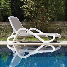 plastic white color outdoor furniture beach chair lounger for