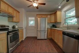 paint color to go with cabinets
