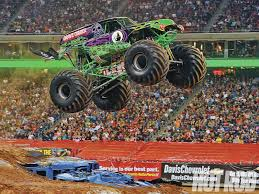 monster truck power wheels grave digger what it u0027s like to drive a monster truck rod network