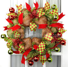 mesh wreaths daisies and diy deco