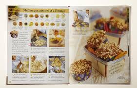 un livre de cuisine livre dans la cuisine de melina