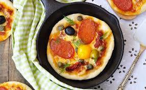 cuisiner une pizza cuire sa pizza à la poêle c est possible today wecook