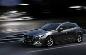 where does mazda come from does the 2017 mazda3 come with a manual transmission