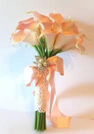 calla bouquet follow us signaturebride on and on signature