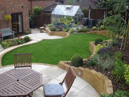 Small Sloped Garden Design Ideas Photo Of Sloping Garden Landscaping Ideas Wide Shallow Garden