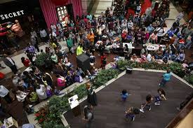 hamilton place northgate malls to thanksgiving day times