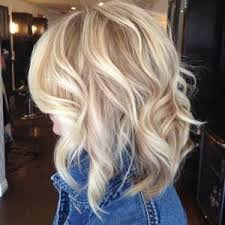 medium lentgh hair with highlights and low lights platinum blonde hair with lowlights shoulder length blonde curls