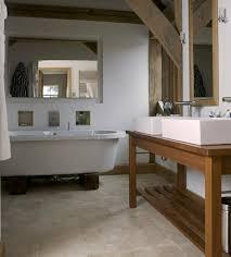 badezimmer waschtisch waschtisch aus holz und andere rustikale badezimmer ideen