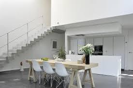 cuisine sejour séjour en hauteur avec vue sur la cuisine architecture