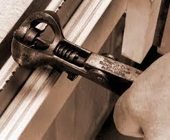 8 sharpening hand saws
