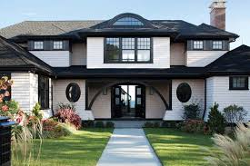 the classic architectural elements of the shingle style house take