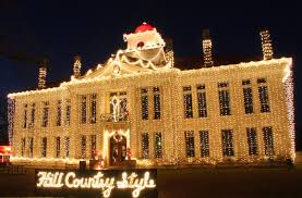 10 houses in texas with amazing christmas decorations