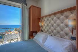 azienda di soggiorno finale ligure last minute 1皸 maggio a finale ligure in residence sul mare con