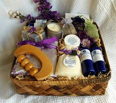 add a spa pocket to this gift basket idea to make it a great gift