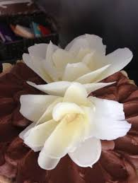 easy chocolate flower cupcake decorating youtube temper the