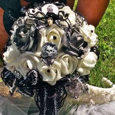 skull wedding bouquet gothic wedding bridal