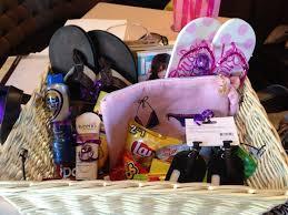 honeymoon shower gift ideas 17 best honeymoon basket ideas images on honeymoon