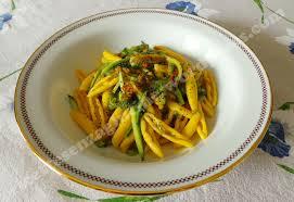 primo piatto con fiori di zucca pasta con fiori di zucca e zucchine ricette senza glutine