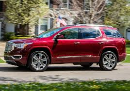 Traverse Interior Dimensions 2018 Chevrolet Traverse Vs 2017 Gmc Acadia Side By Side
