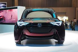 hydrogen fuel cell car toyota toyota unveils hydrogen fuel cell people mover concept autoguide