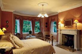 5 ideas for historic window treatments old house restoration a swagged valance atop full length curtains was a popular treatment during the federal and