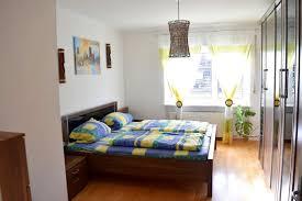 Schimmel Im Schlafzimmer Am Boden 3 Zimmer Wohnungen Zum Verkauf Augsburg Mapio Net