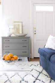 how to decorate your livingroom how to decorate when your front door opens into your living room
