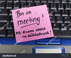 kã hlschrank design memo note on notebook bin im stock photo 555120229