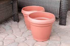 turn plastic plant pots into beautiful painted lace decoupage