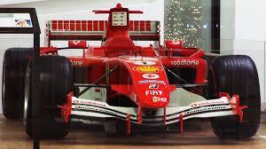 mobil balap f1 gambar merah mendorong kecepatan mobil sport mobil balap