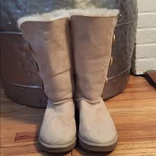 s ugg bailey boots 65 ugg shoes ugg australia three button bailey boots s n