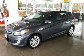 2013 hyundai accent gs test drive 2013 hyundai accent gls hatchback autos ca