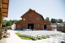 Barn Weddings In Michigan Weddings Events Carleton Farm