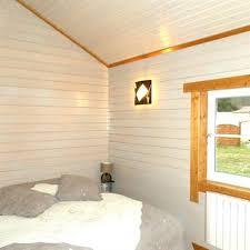 chambre lambris blanc lambris peint best best chambre lambris blanc cheap papier