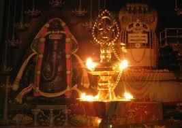 அருள் எனும் போதே இருள் என்பதும் உடன் தொக்கி நிற்கிறது