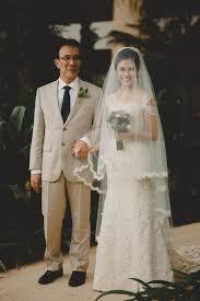 wedding dress di bali pemberkatan dengan tema vintage di kapel conrad hotel bali www