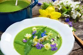 les fleurs comestibles en cuisine fleurs comestibles 7 idées qui vont égayer vos recettes bio à la une